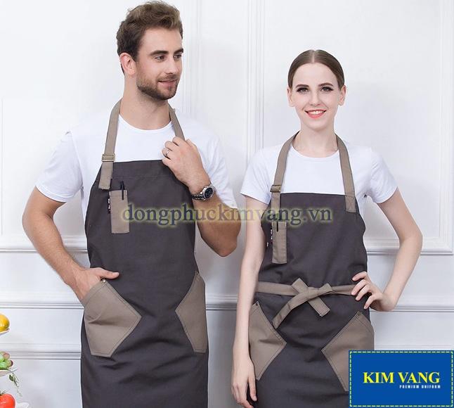 Màu sắc của áo đồng phục phải phù hợp với phong cách của nhà hàng