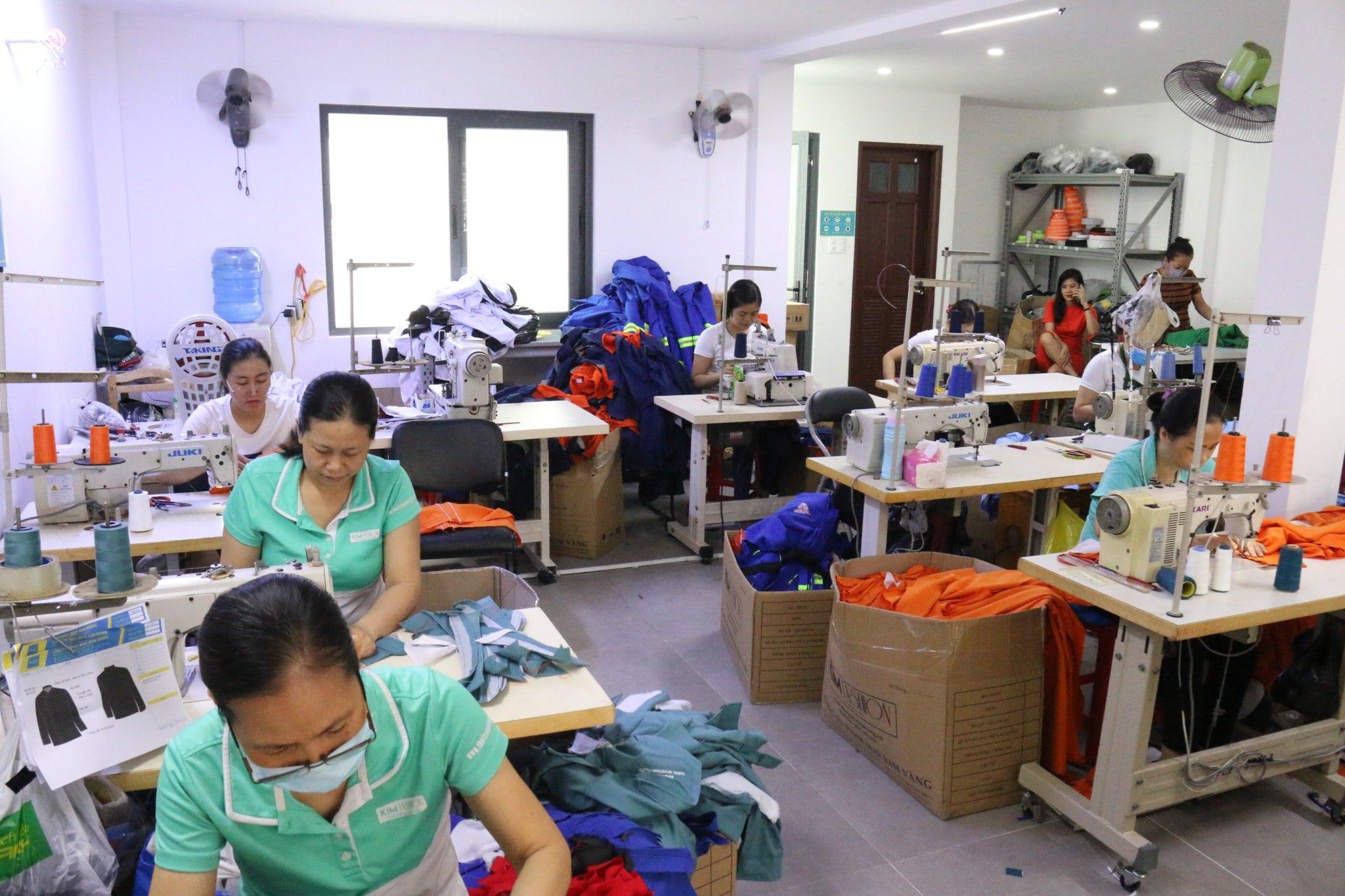 Bật Mí Cách Chọn May Áo Thun Kiểu Nữ Cho Dân Công Sở Đẹp Nhất